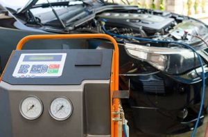 Aircon re-gas service